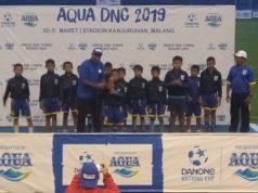 Tim SSS 07 Semarang Saat Menerima Penghargaan Sebagai Tim Fair Play dalam Danone 2019 di Stadion Gajayana, Malang. FOTO : DOK/JATENGPOS