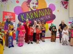 KARTINI : Sejumlah anak dan ibu yang meramaikan lomba yang diadakan Kokola Grup dalam rangka Hari Kartini.