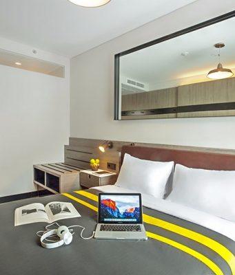 PROMO SPESIAL : Salah satu kamar spesial Room INC Hotel Semarang siap manjakan pelanggan dalam promo Vote and Stay.