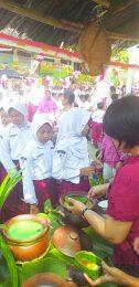 TERTIB : Sejak dini anak-anak didik SDN Purwoyoso 02 Kecamatan Ngalian selalu mengedepankan tertib dan taat pada aturan.