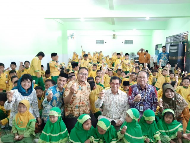 PERUNGGASAN : Launching Gema 100 Juta Telur yang dilakukan PT Charoen Pokphand Indonesia di SD Djama'atul Ichwan, Laweyan, Solo, Rabu (11/9).