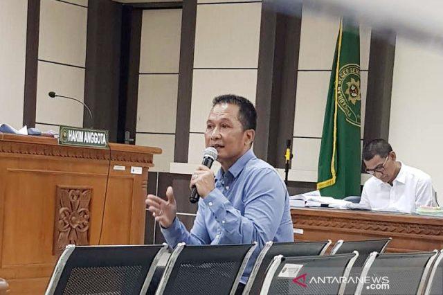 BUPATI:Plt Bupati Kudus Hartopo saat diperiksa sebagai saksi di Pengadilan Tipikor Semarang, Senin. (Foto: ANTARA/ I.C.Senjaya)