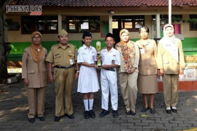 JUARA MAPSI: Juara 2 Lomba Mapsi bidang PAI Tingkat UPTD Pendidikan Kecamatan Banyumanik. SDN SRONDOL KULON 03. Salam sukses skolah hebat.