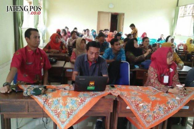 Workshop K13 bagi guru kelas 2,5,& PJOK UPTD Pendidikan Kecamatan Banyumanik Semarang