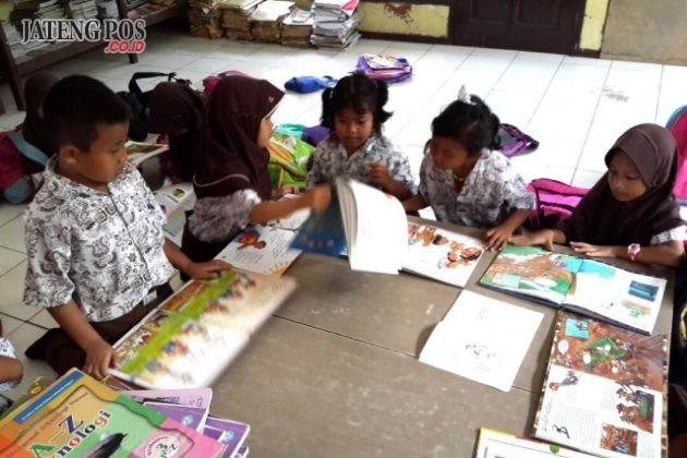 INSPIRATIF: SDN Tugurejo 01 UPTD Tugu terus berusaha mewujudkan Sekolah Inspiratif dengan membiasakan siswa mengasah potensi diri. Sukses.