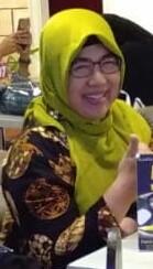 Dra Esthi Darmawanti, M.M. Guru SMA Negeri 1 Pracimantoro