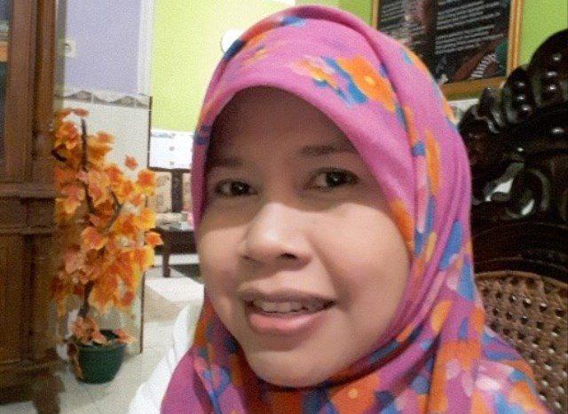 Fajar Indah Mulyani, S.T. Guru Kimia SMK Negeri Tembarak